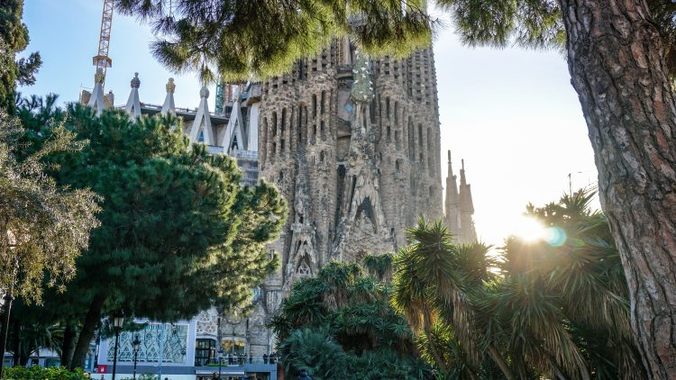 ancient-architecture-barcelona-998736