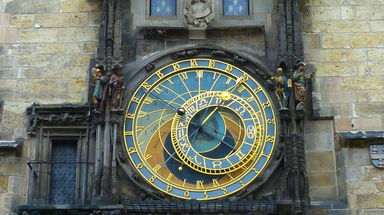 astronomical-clock-475445_1280